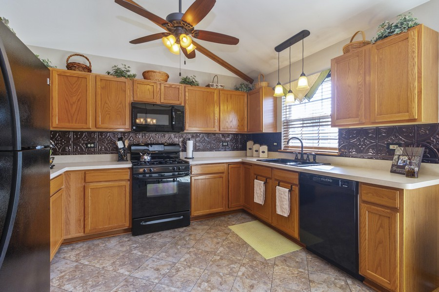 Real Estate Photography - 5 Layden Circle, Manteno, IL, 60950 - Kitchen
