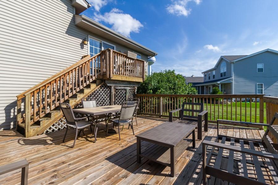 Real Estate Photography - 5 Layden Circle, Manteno, IL, 60950 - Porch