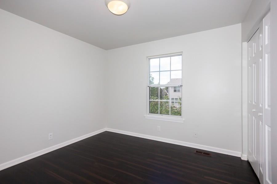 Real Estate Photography - 609 Salem Circle, Oswego, IL, 60543 - 2nd Bedroom