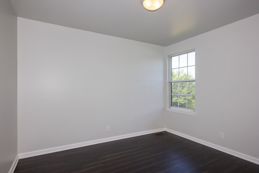 Real Estate Photography - 609 Salem Circle, Oswego, IL, 60543 - 3rd Bedroom
