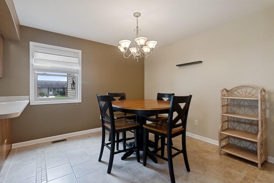 Real Estate Photography - 1726 Bridle Ct, Bourbonnais, IL, 60914 - Kitchen / Breakfast Room