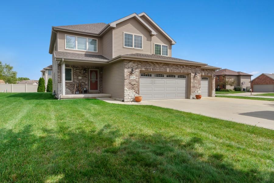 Real Estate Photography - 1726 Bridle Ct, Bourbonnais, IL, 60914 - Front View