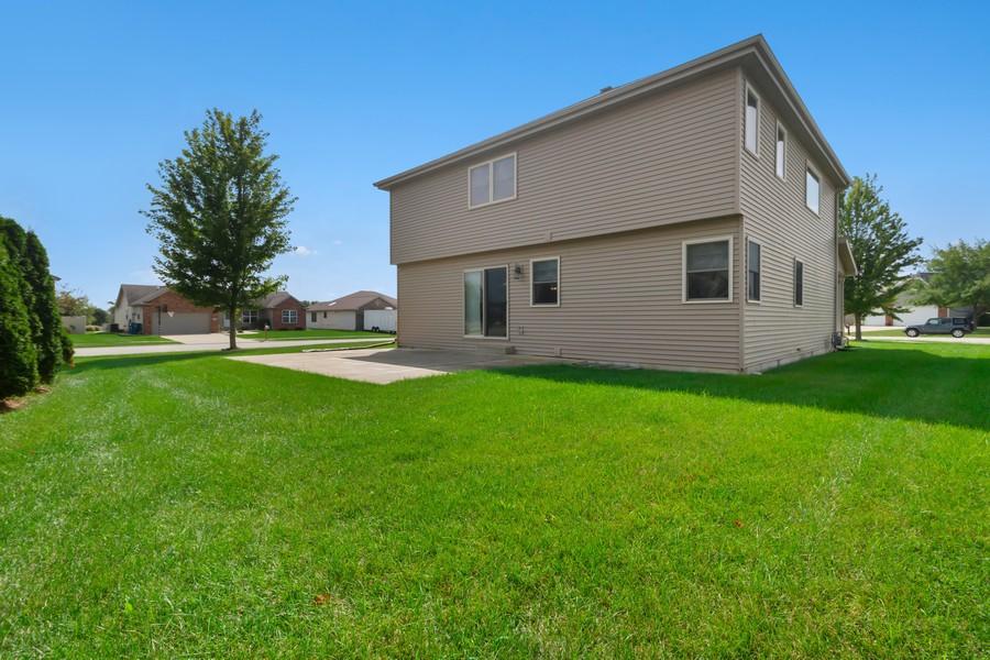 Real Estate Photography - 1726 Bridle Ct, Bourbonnais, IL, 60914 - Rear View