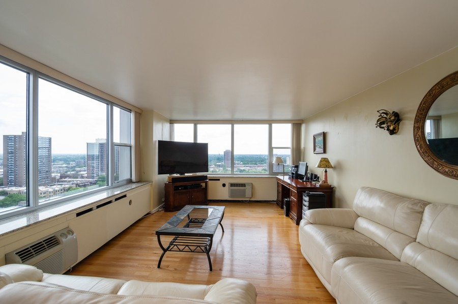 Real Estate Photography - 4250 N Marine, Unit 1716, Chicago, IL, 60618 - Living Room