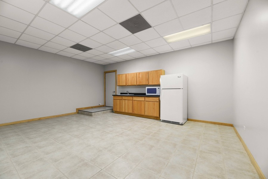 Real Estate Photography - 32 Blodgett Avenue, Clarendon Hills, IL, 60514 - In-law suite Kitchen - Could be studio apt