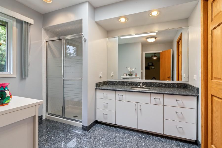 Real Estate Photography - 7835 W. McCarthy Rd., PALOS PARK, IL, 60464 - Bathroom