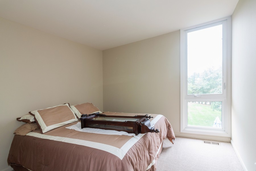 Real Estate Photography - 6 Maple Tree Ct, Elmhurst, IL, 60126 - 3rd bedroom
