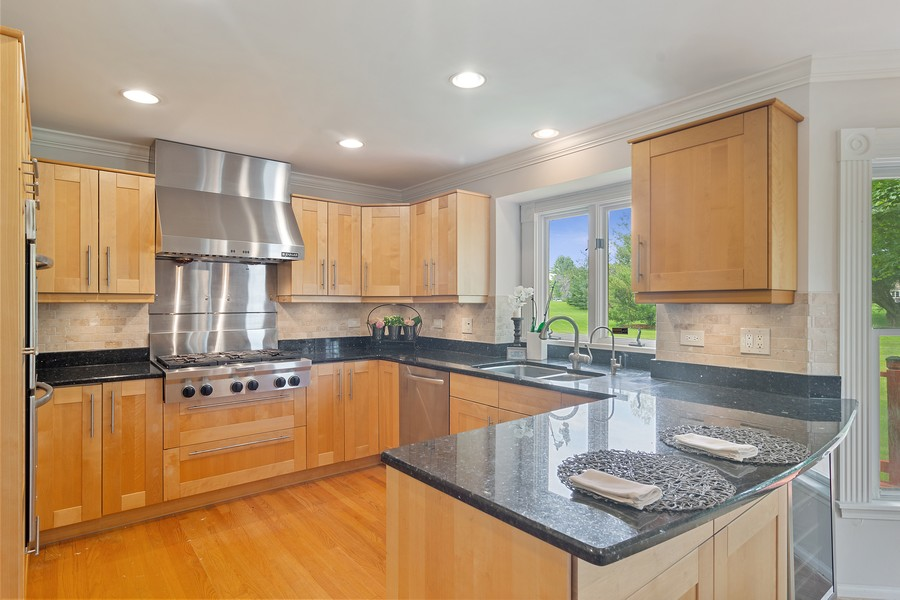 Real Estate Photography - 23907 Lancaster Ct, Deer Park, IL, 60010 - Kitchen
