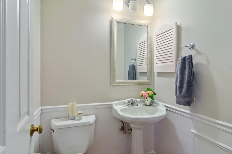 Real Estate Photography - 23907 Lancaster Ct, Deer Park, IL, 60010 - Half Bath