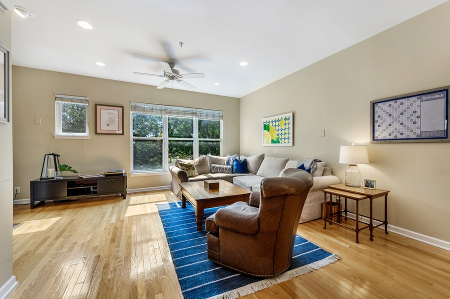 Real Estate Photography - 525 South Boulevard, Evanston, IL, 60202 - Living Room
