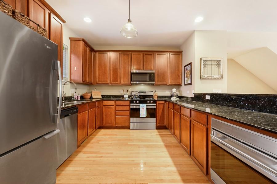 Real Estate Photography - 525 South Boulevard, Evanston, IL, 60202 - Kitchen