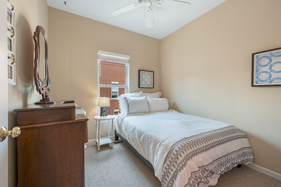Real Estate Photography - 525 South Boulevard, Evanston, IL, 60202 - Bedroom