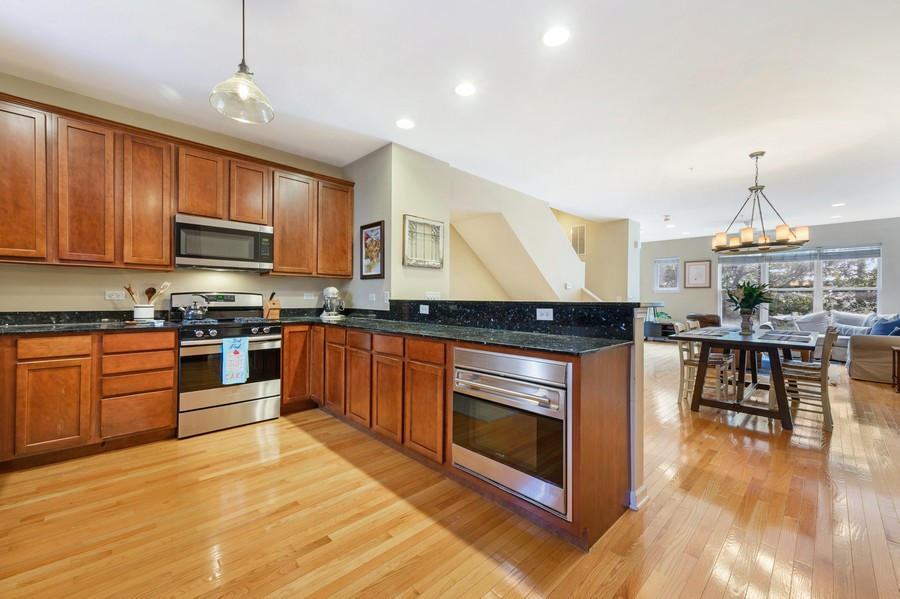 Real Estate Photography - 525 South Boulevard, Evanston, IL, 60202 - Kitchen/Dining