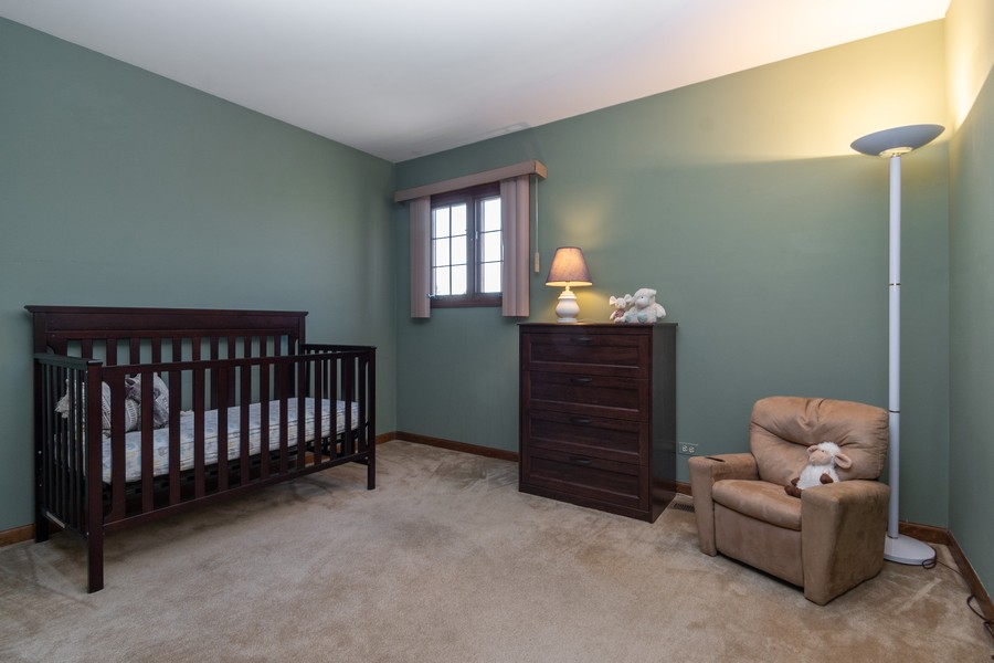 Real Estate Photography - 1519 Laburnum Rd, Hoffman Estates, IL, 60192 - 2nd Bedroom