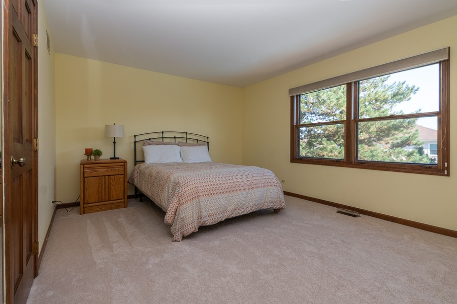 Real Estate Photography - 1519 Laburnum Rd, Hoffman Estates, IL, 60192 - 4th Bedroom