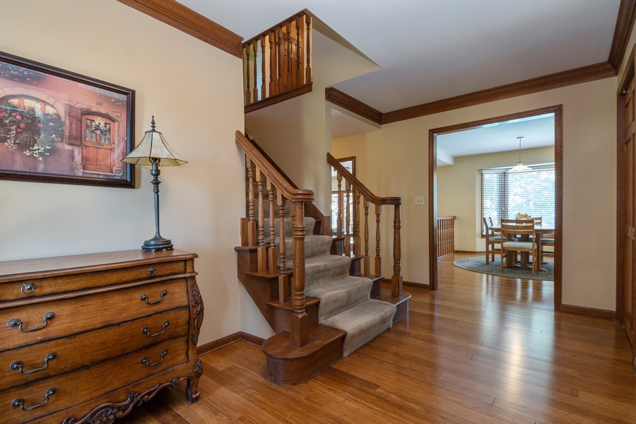 Real Estate Photography - 1519 Laburnum Rd, Hoffman Estates, IL, 60192 - Foyer