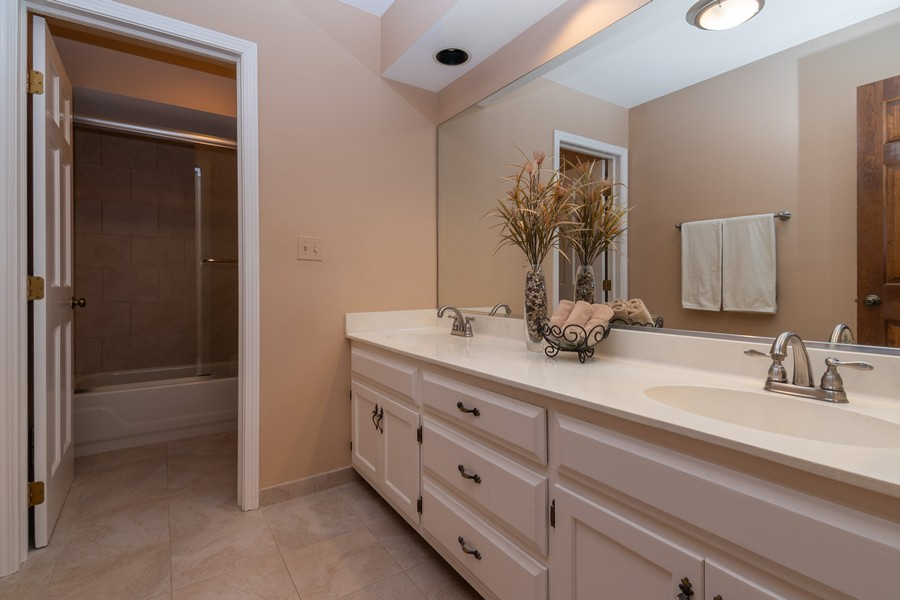 Real Estate Photography - 1519 Laburnum Rd, Hoffman Estates, IL, 60192 - 2nd Bathroom