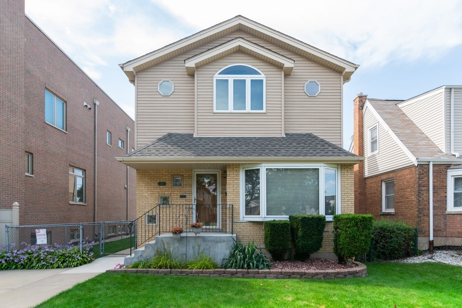 Real Estate Photography - 5118 s. Nagle, chicago, IL, 60638 - Front View