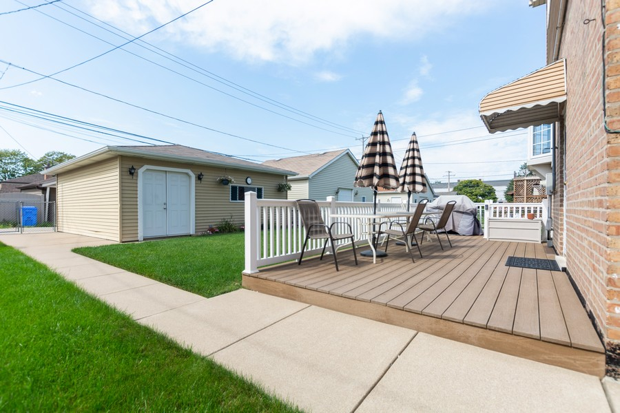 Real Estate Photography - 5118 s. Nagle, chicago, IL, 60638 - Deck