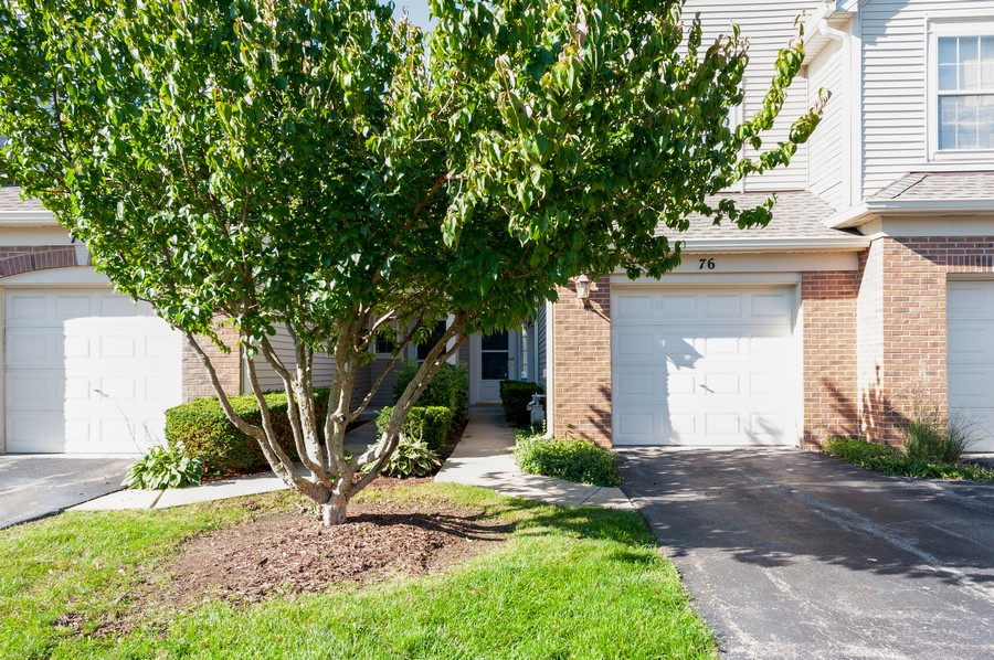 Real Estate Photography - 76 Keenland, Grayslake, IL, 60030 - Front View