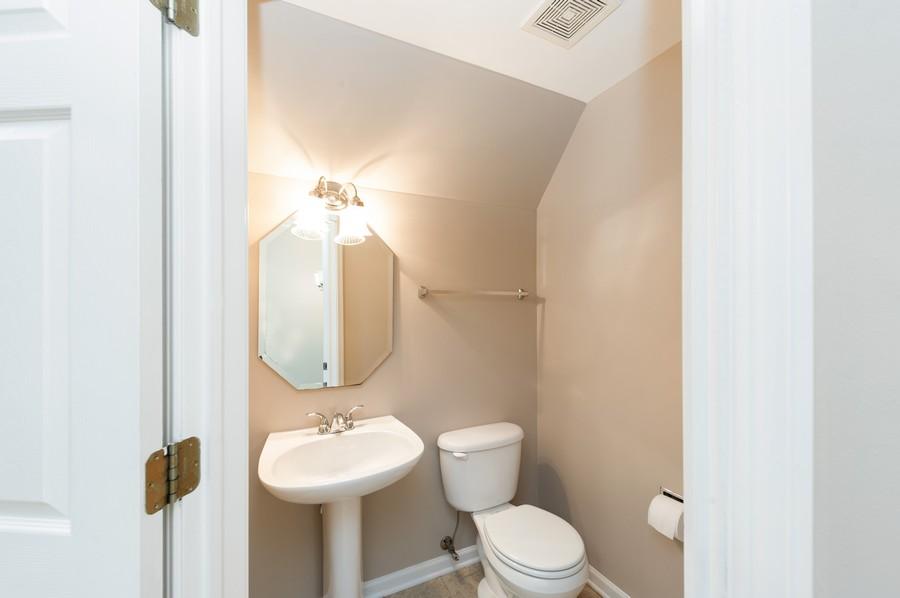 Real Estate Photography - 76 Keenland, Grayslake, IL, 60030 - Half Bath