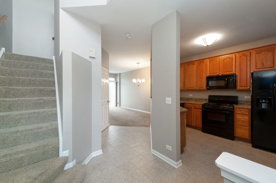 Real Estate Photography - 76 Keenland, Grayslake, IL, 60030 - Entryway