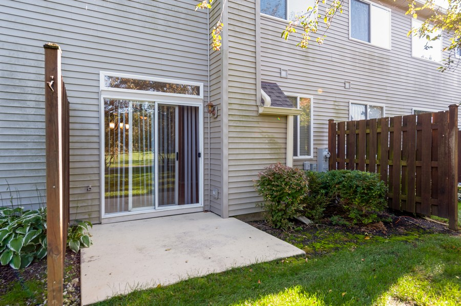 Real Estate Photography - 76 Keenland, Grayslake, IL, 60030 - Patio