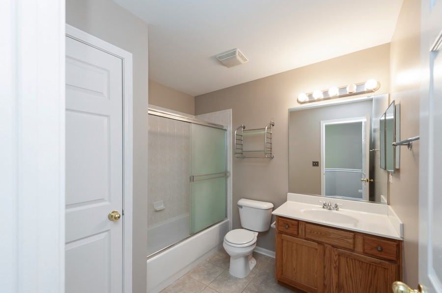 Real Estate Photography - 188 Stockton, Grayslake, IL, 60030 - 2nd Bathroom