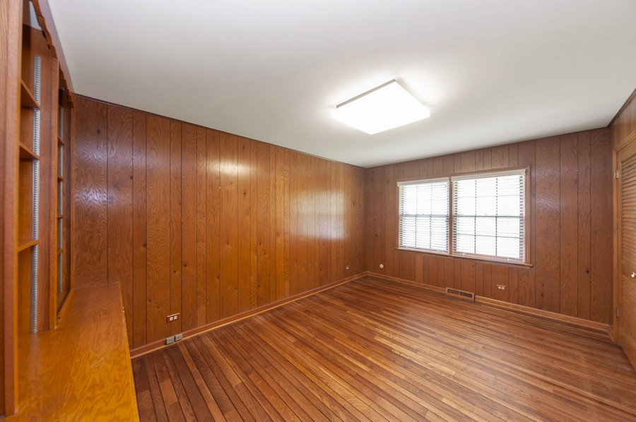 Real Estate Photography - 635 Carlisle Ave, Deerfield, IL, 60015 - 2nd Bedroom