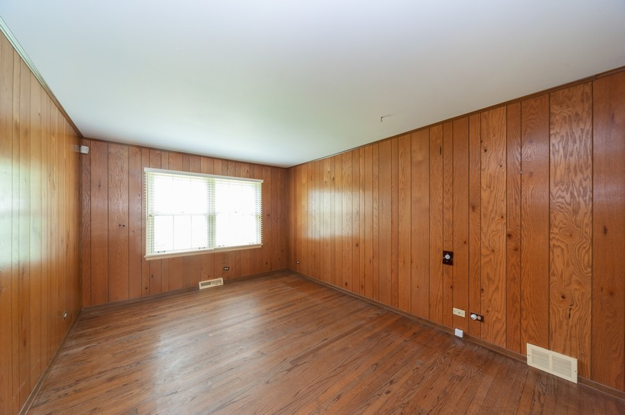 Real Estate Photography - 635 Carlisle Ave, Deerfield, IL, 60015 - 3rd Bedroom