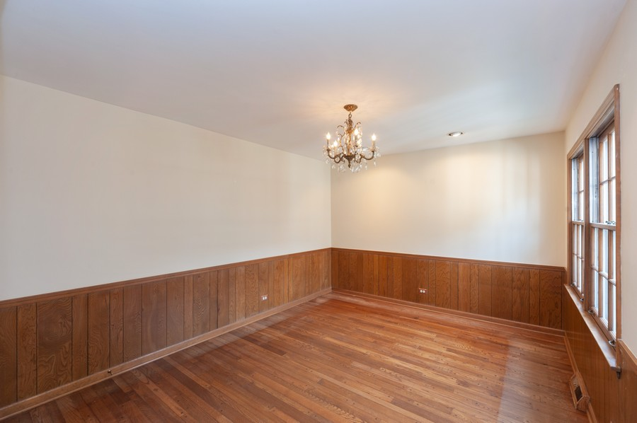 Real Estate Photography - 635 Carlisle Ave, Deerfield, IL, 60015 - Dining Room