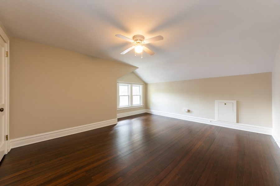 Real Estate Photography - 131 W. Russell Street, Barrington, IL, 60010 - 2ND BEDROOM LOCATED ON 2ND LEVEL
