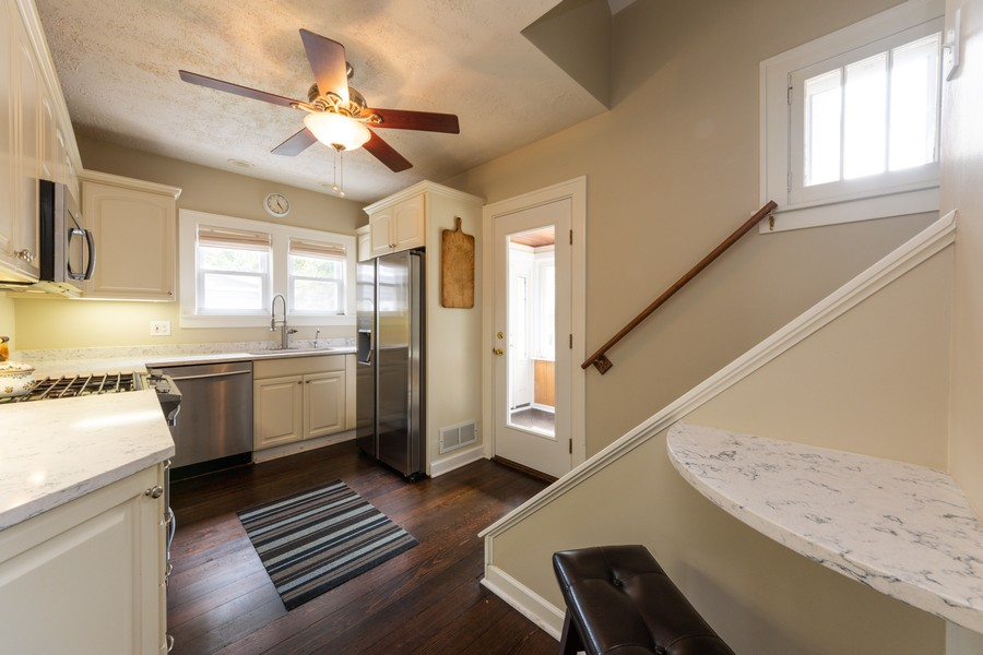 Real Estate Photography - 131 W. Russell Street, Barrington, IL, 60010 - FULLY REMODELED KITCHEN