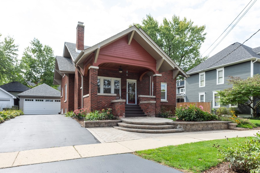 Real Estate Photography - 131 W. Russell Street, Barrington, IL, 60010 - WELCOME TO 131 W. RUSSELL-BARRINGTON VILLAGE