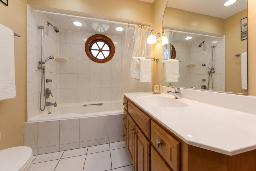 Real Estate Photography - 131 W. Russell Street, Barrington, IL, 60010 - FULL BATH LOCATED LOCATED ON 1ST FLOOR