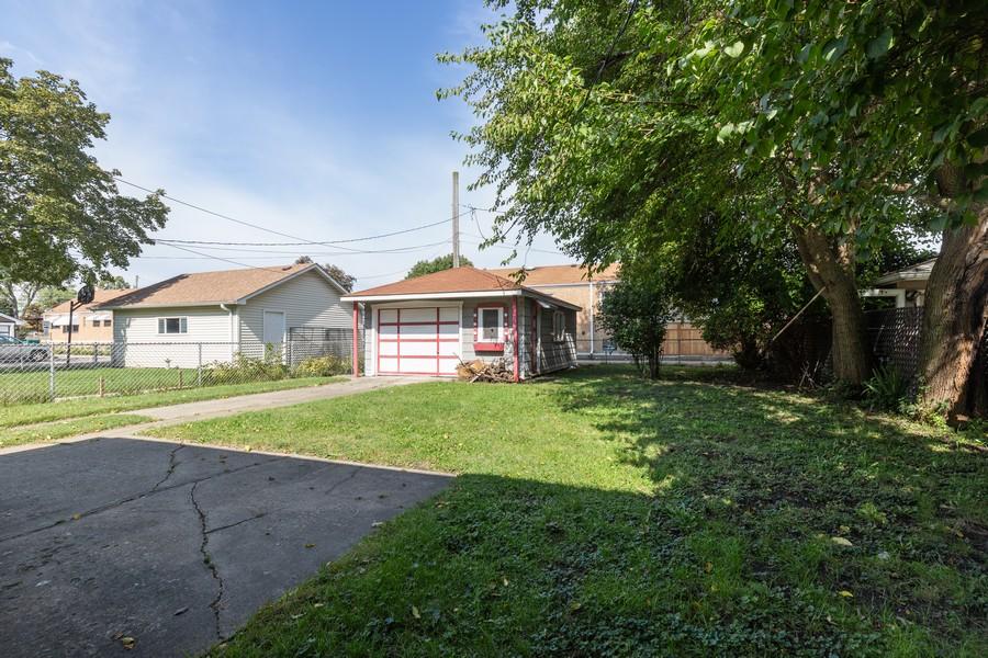Real Estate Photography - 6416 W Pershing, Berwyn, IL, 60402 - Back Yard