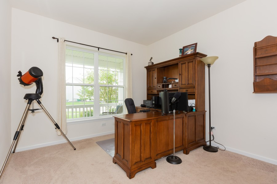 Real Estate Photography - 13705 Ann Drive, Lemont, IL, 60439 - Office