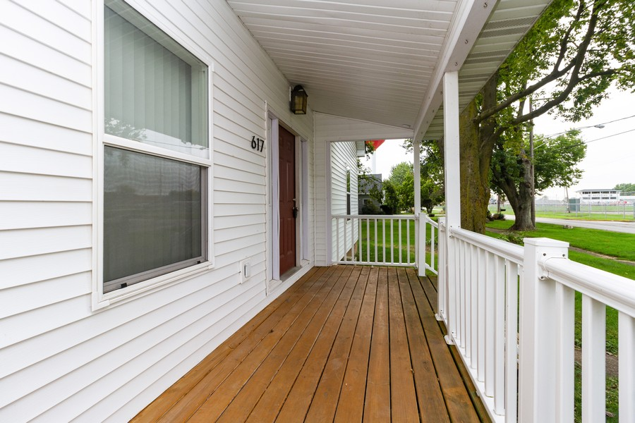 Real Estate Photography - 617 W River St, Momence, IL, 60954 - Porch