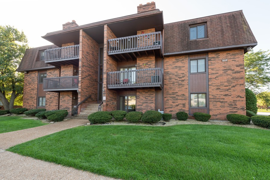 Real Estate Photography - 2117 45th Street #305, Highland, IN, 46322 - Front View
