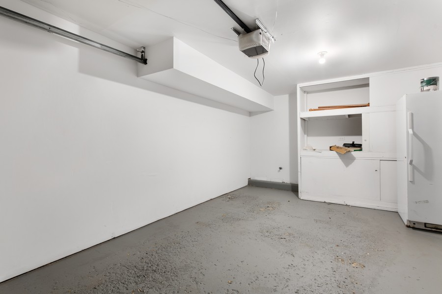 Real Estate Photography - 1648 N. Burling, #D, Chicago, IL, 60614 - Garage