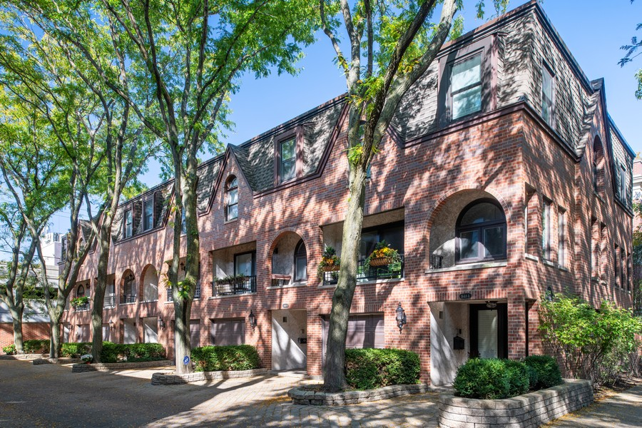 Real Estate Photography - 1648 N. Burling, #D, Chicago, IL, 60614 - Front View
