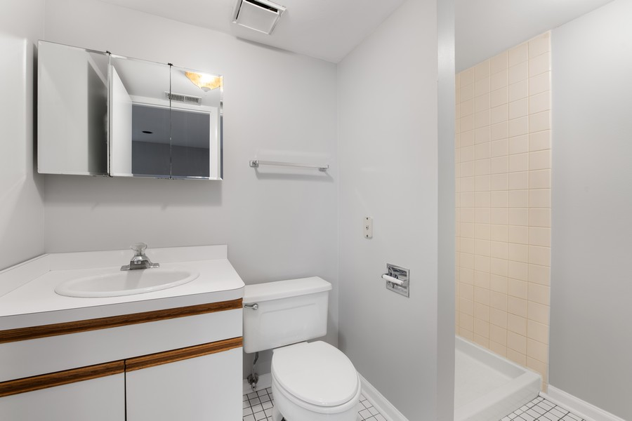Real Estate Photography - 1648 N. Burling, #D, Chicago, IL, 60614 - Bathroom