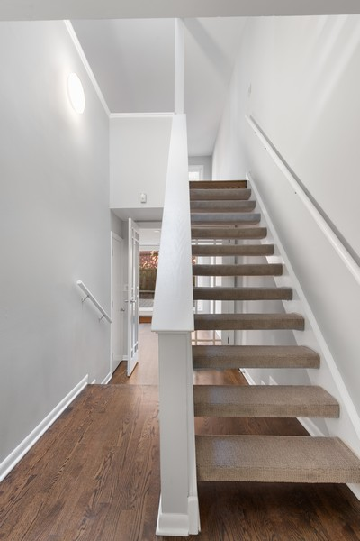 Real Estate Photography - 1648 N. Burling, #D, Chicago, IL, 60614 - Entryway