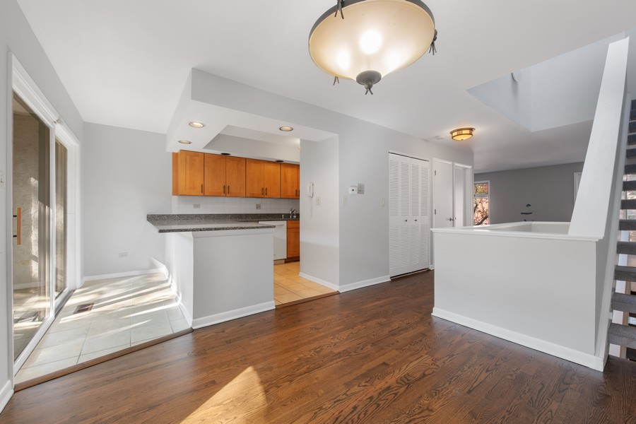Real Estate Photography - 1648 N. Burling, #D, Chicago, IL, 60614 - Kitchen/Dining