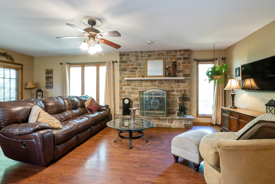 Real Estate Photography - 803 Surrey Lane, Algonquin, IL, 60102 - Living Room