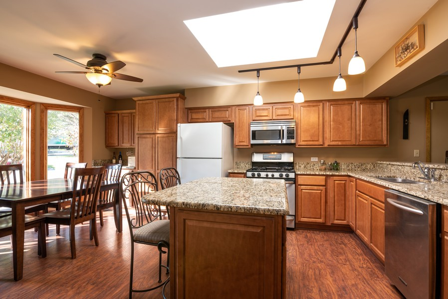 Real Estate Photography - 803 Surrey Lane, Algonquin, IL, 60102 - Kitchen