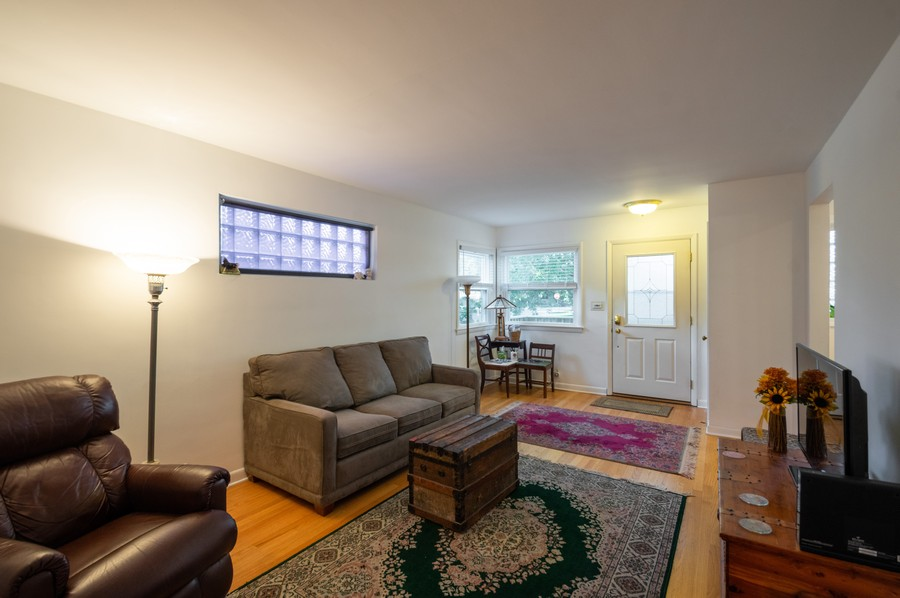 Real Estate Photography - 6963 W Balmoral Ave, CHICAGO, IL, 60656 - Living Room