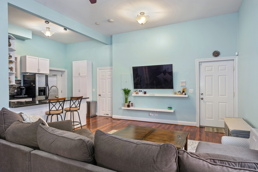 Real Estate Photography - 1540 N Claremont, 1E, Chicago, IL, 60622 - Living Room
