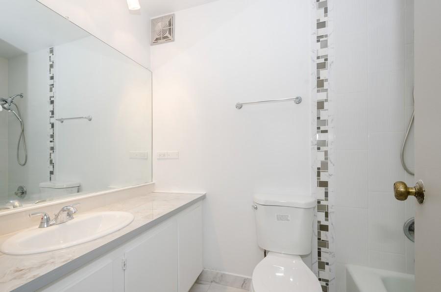 Real Estate Photography - 7141 N Kedzie, Unit 1516, Chicago, IL, 60645 - Master Bathroom
