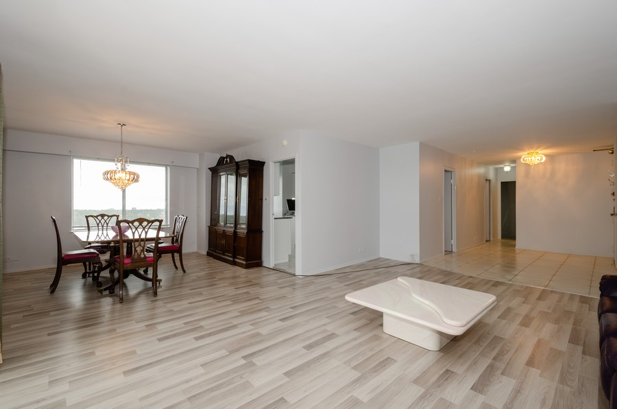 Real Estate Photography - 7141 N Kedzie, Unit 1516, Chicago, IL, 60645 - Living Room/Dining Room